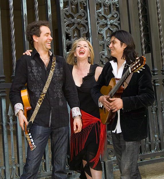 Trio Caliente -Spanish Guitar Music